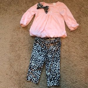 Adorable pink & black outfit 💗